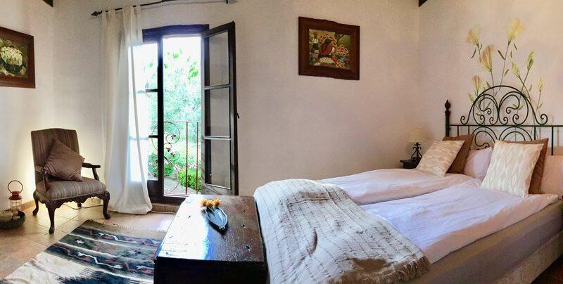 habitacion+vistas+patio+bedroom+Innenhof+Ausblick